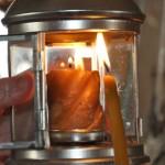 В Александро-Невский собор доставили Благодатный огонь
