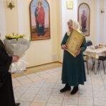 Митр. Викторин поздравил и наградил казначея Александро-Невского собора Г.Н. Буслаеву