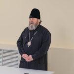 Митрополит Викторин провел собрание для сотрудников Александро-Невского собора